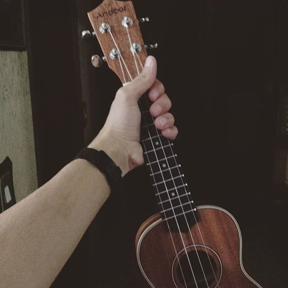 Now, after 3/4 years of guitar and 1 year of keys...Let's start with this! Me Ukulele Music Newarrival
