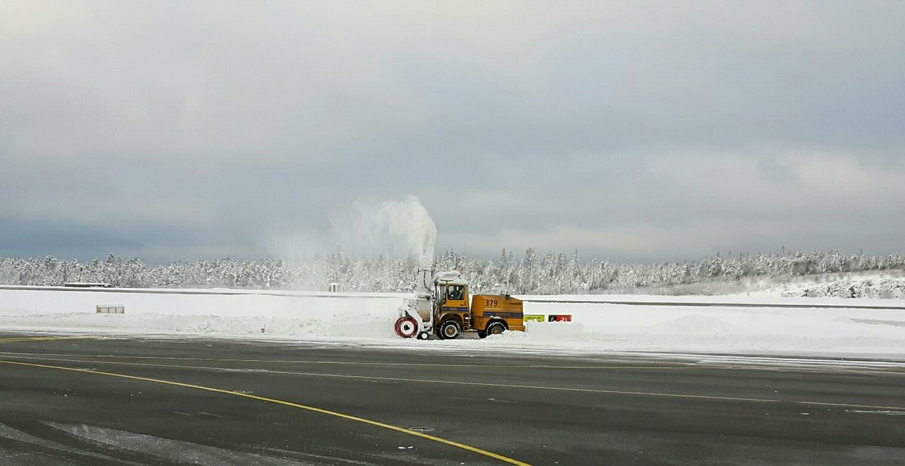 Göteborg Landvetter Airport (got) Snow ❄ I Love My Job! Wintertime In Sweden Airport Heavy Equipment Samsungphotography