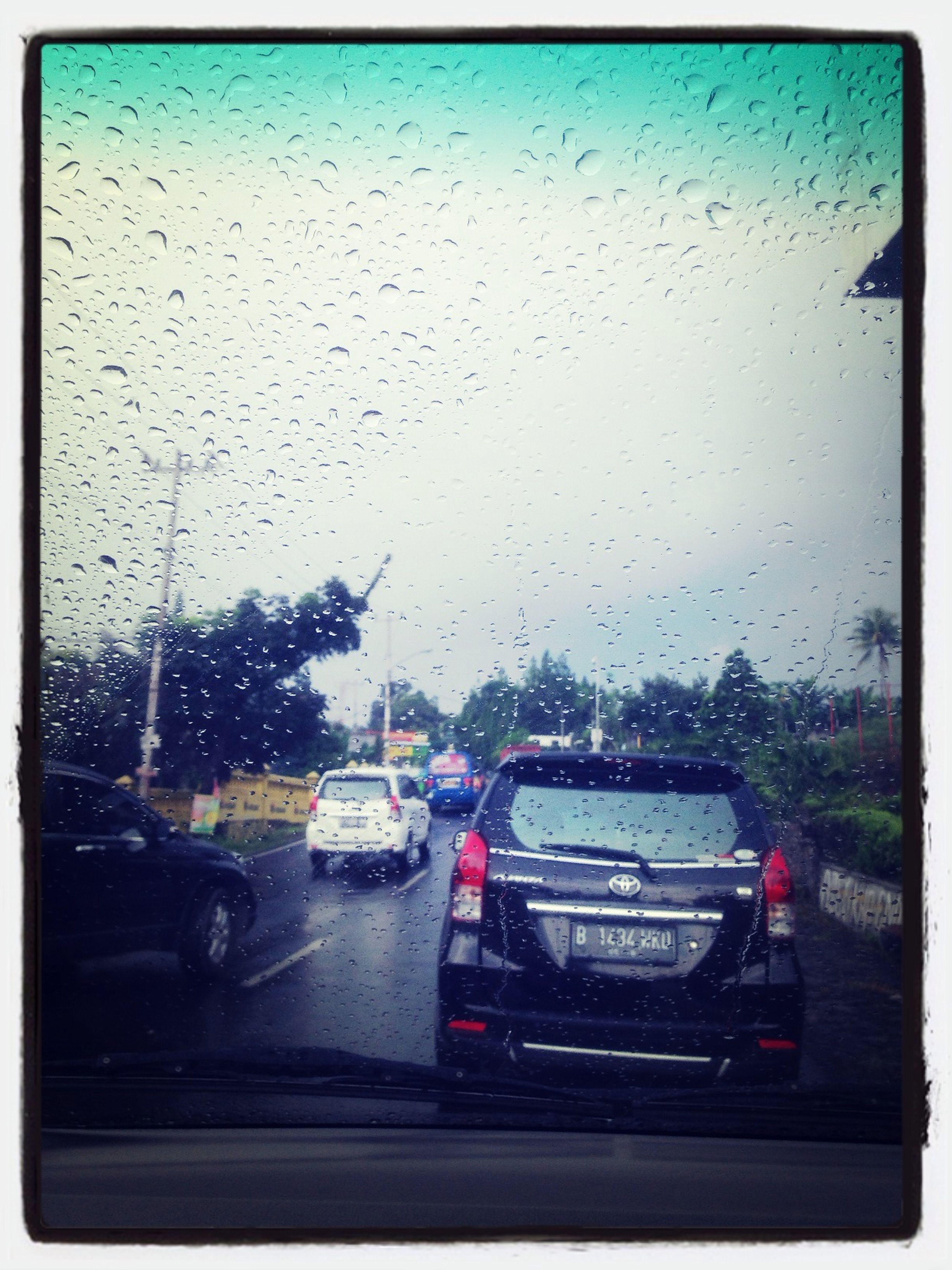 Hujan dan macet Puncak