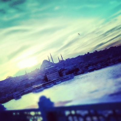 Gelmişse gitme vakti,durmak olmaz..Sultanahmetcamii Hali çköprüsüIstintagram Istanbul bosphorus
