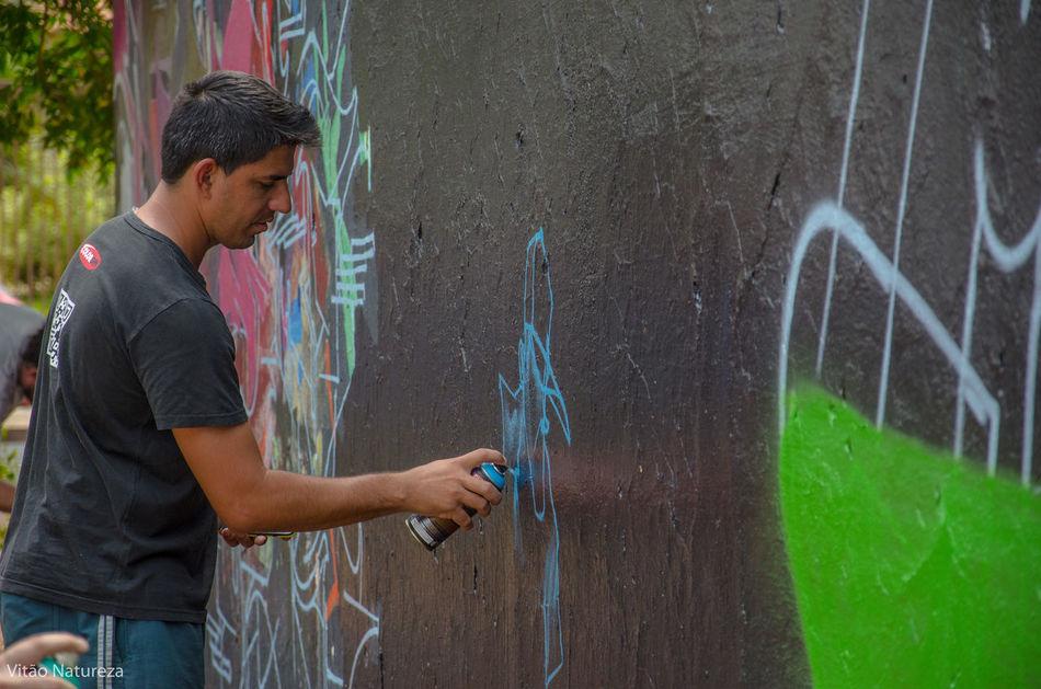 Streetphotography Grafitti Streetart Photography HipHop Photoart Nikonphotography Fotografiaderua Victornatureza Vitaonatureza Olharnatural Poeticadacidade Artefotografia Hiphopemaçao Universodacor