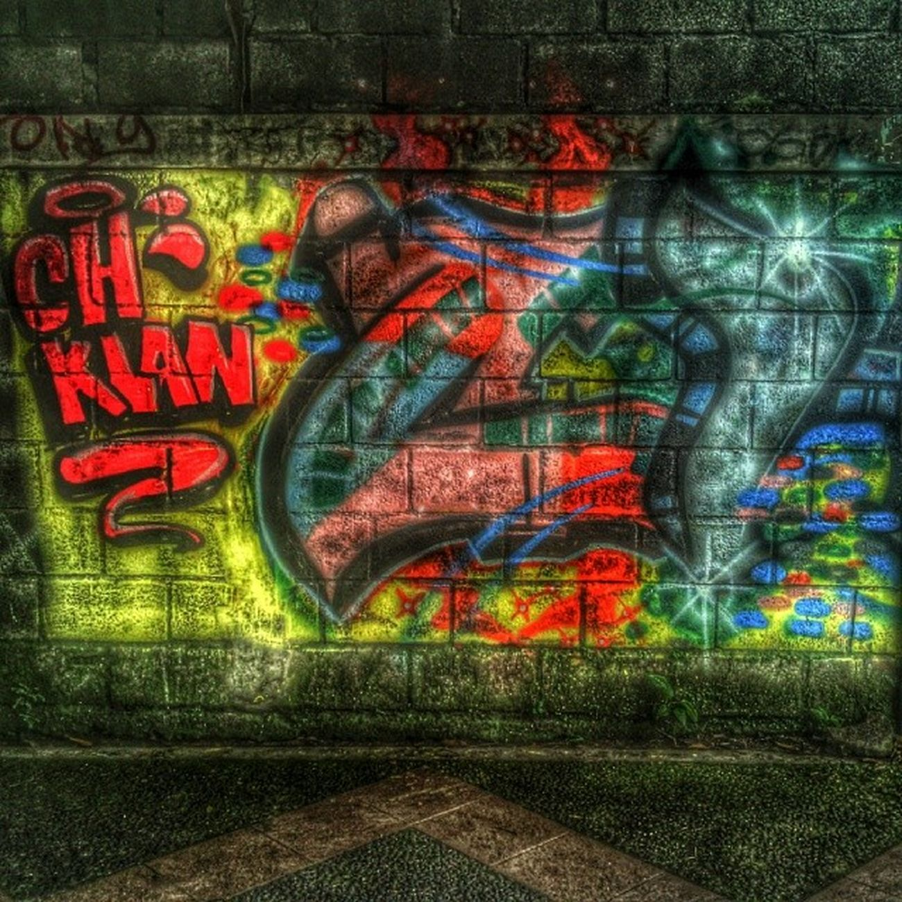 Streetphotography Wallporn Urbanwalls Urban urbanart instagraffiti instagrafite instagraff photooftheday artwork art sprayart streetphotography street streetartistry streetarteverywhere streetart fun follow graffitiporn gffeatured graffiti graffitiigers hdr likebackteam likealways like like4like likeback