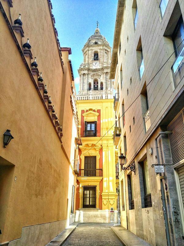 Catedral de Málaga. Malaga España🇪🇸 Streetphotography Huawei Tourism Mobilephoto Mobileart Photography Andalucía Mobilephotography Photoart Photo Of The Day Photo Malagacity Huaweig8 Spain ✈️🇪🇸 Color Photography Building Catedral Catedraldemalaga