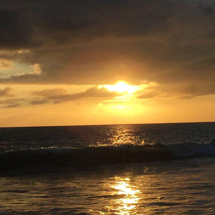 43 Golden Moments Relaxing Enjoying Life Taking Photos Sunset Kamaole Beach Park III Kihei, Maui Tranquil Scene Nature Beauty In Nature Waterfront Sun Sky Seascape