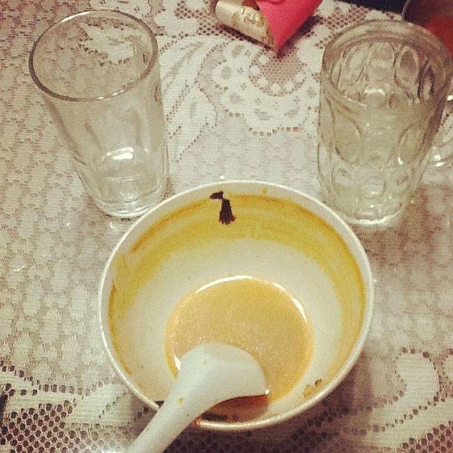 哇!好吃 TOM YAM 汤~!我喝了两杯水!饱到想死啊!!!!><但我爱吃!❤❤❤❤❤