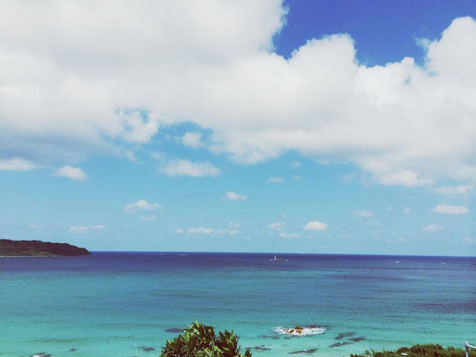 空と海 エメラルドグリーン