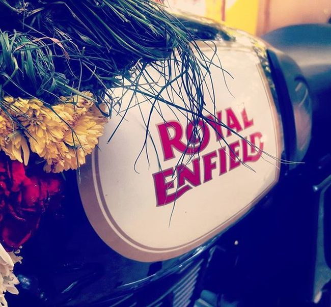 தட் கனவு நனவாகிய மோமன்ட் 😎 Royalenfield Classic500 Dreambike Dreamcametrue Bullet Innomad Graphicdesigner Chennai Karaikal Proud RideOrDie