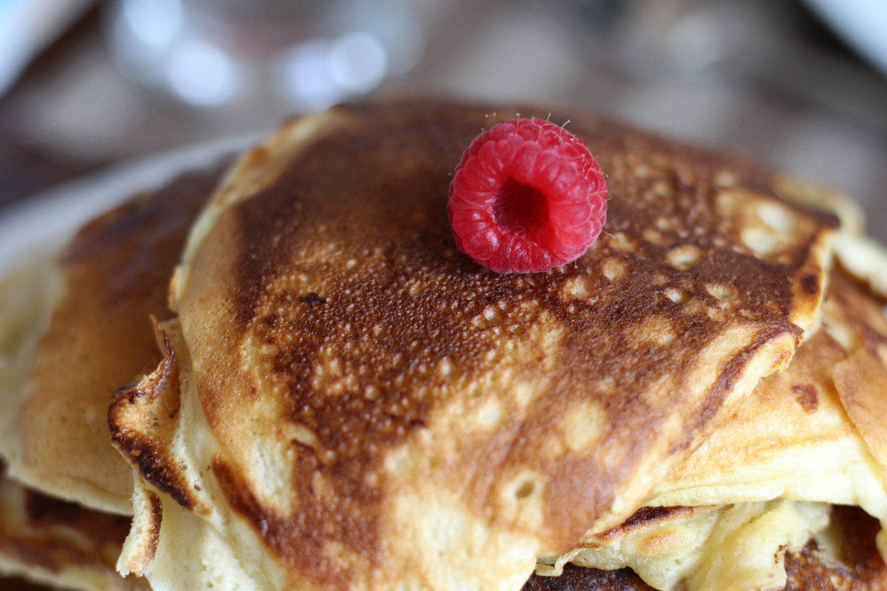 Homemade pancakes with a raspberry Close-up Day Dessert Food Food And Drink Freshness Indoors  Indulgence No People Plate Raspberries Raspberry Ready-to-eat Serving Size Sweet Food Temptation Unhealthy Eating