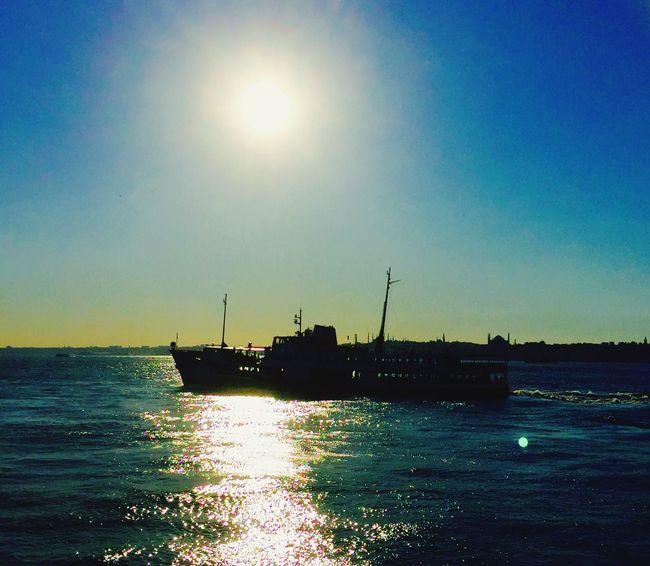 Ferryboat Vapur Sunset Sky Sea Seascape şehirhatlarıvapuru Silhouettes Historical Peninsula Tarihiyarimada IPhoneography Mobilephotography Mobile Photography