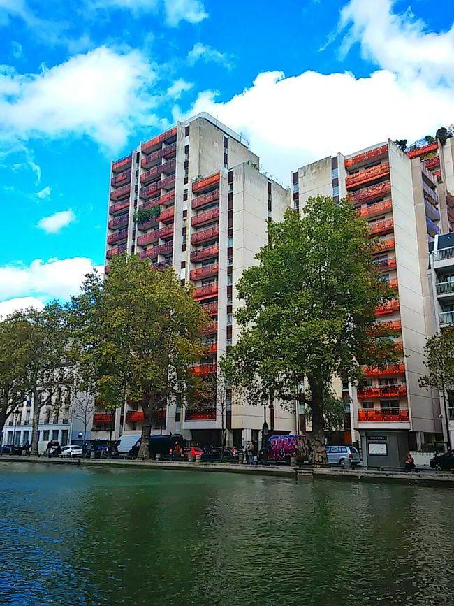 The colors of everyday places... Photowalking Paris Eyeem Philippines Architecture Eyeem Paris