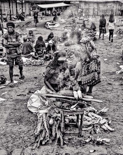 Corn Baking Corn Baking Food Market Traditional Papua INDONESIA People Blackandwhite