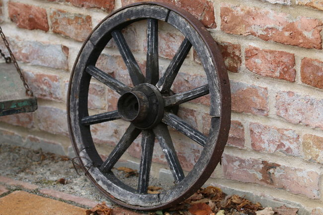 Wheel Old Circle Transportation History Wagon Wheel Stone Wall Geometric Shape Tadaa Community No People Outdoors Eye4photography Backgrounds From My Point Of View Walking Around Taking Pictures AMTPt_community Outdoor Photography No People Man Made Object Wall - Building Feature