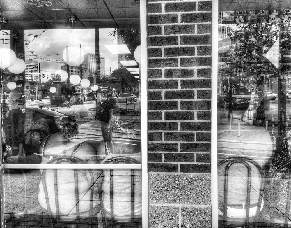 Wafflehouse Reflection Blackandwhite Monochrome