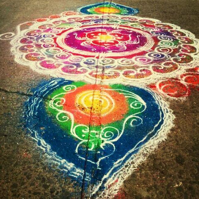 Color the road. Rangoli Ganesha Colors