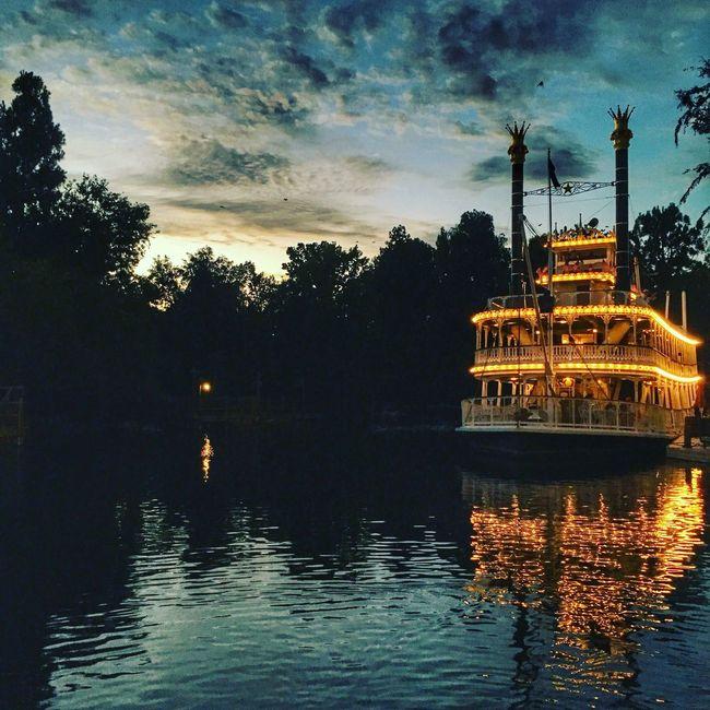 Disneyland Adventure IPhoneography USA Travel Disneyland Nightphotography
