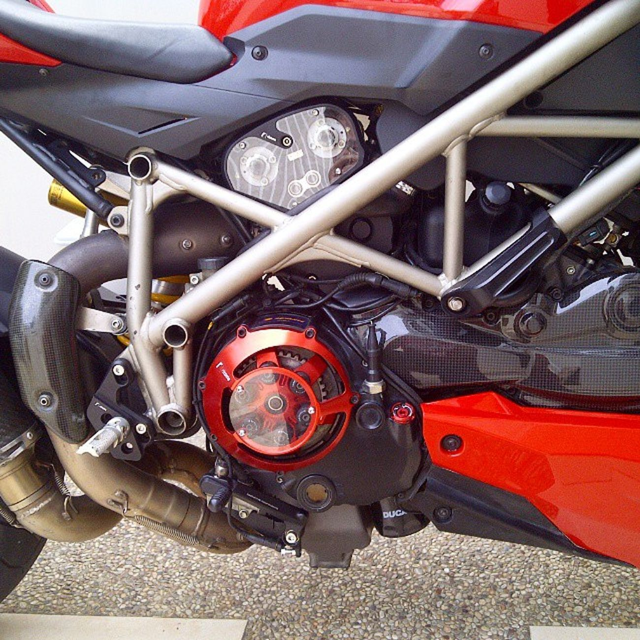 Ducati Streetfighter Ducatistreetfighter Ducatisti Ducatista S 1098 Carbon Rizoma Ohlins Brembo  Pirelli Dryclutch @ducatisofinstagram