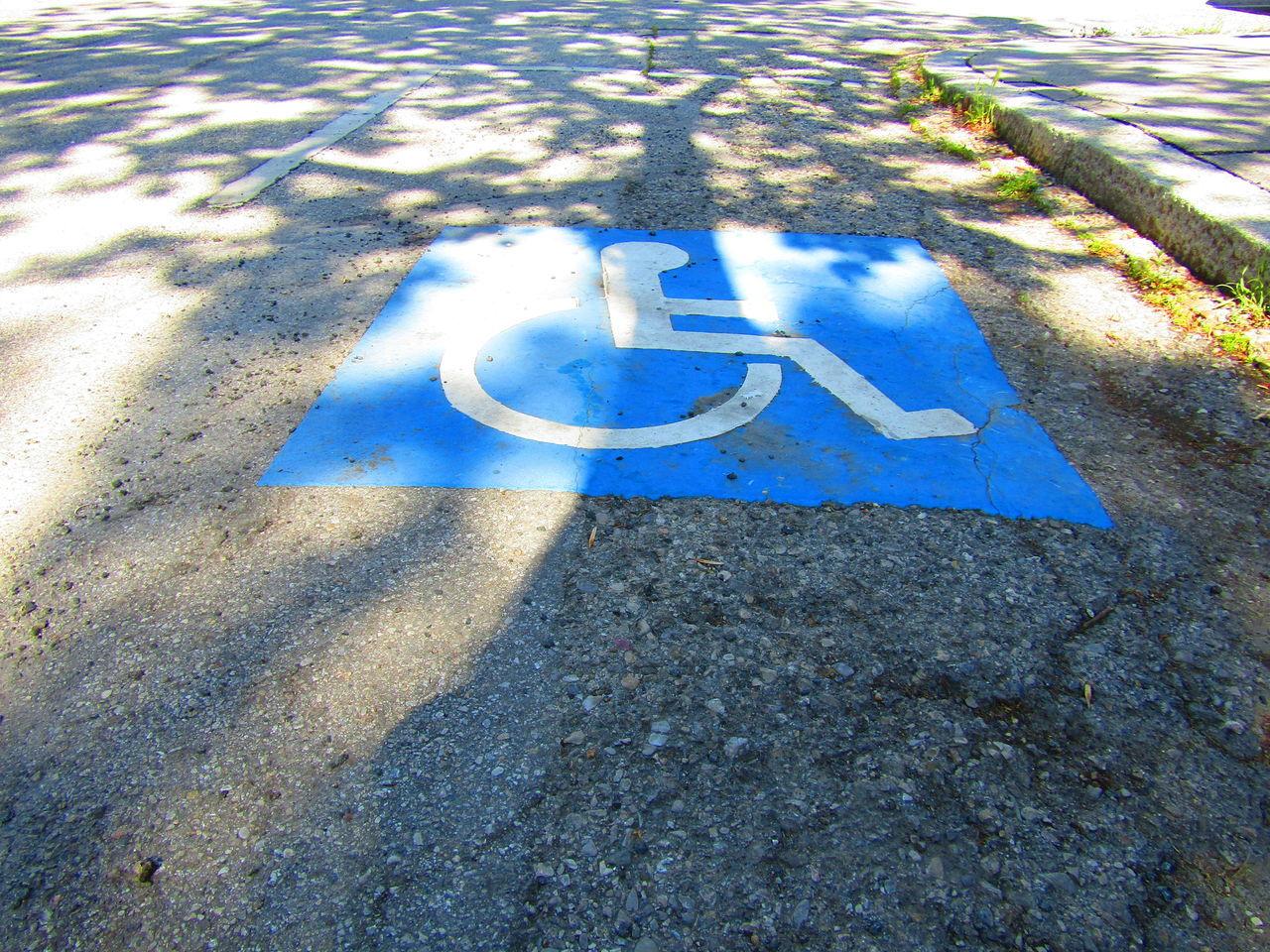 Wheelchair Access Wheelchair Rollstuhl Straße Street Sign Summer Asphalt Tarmac
