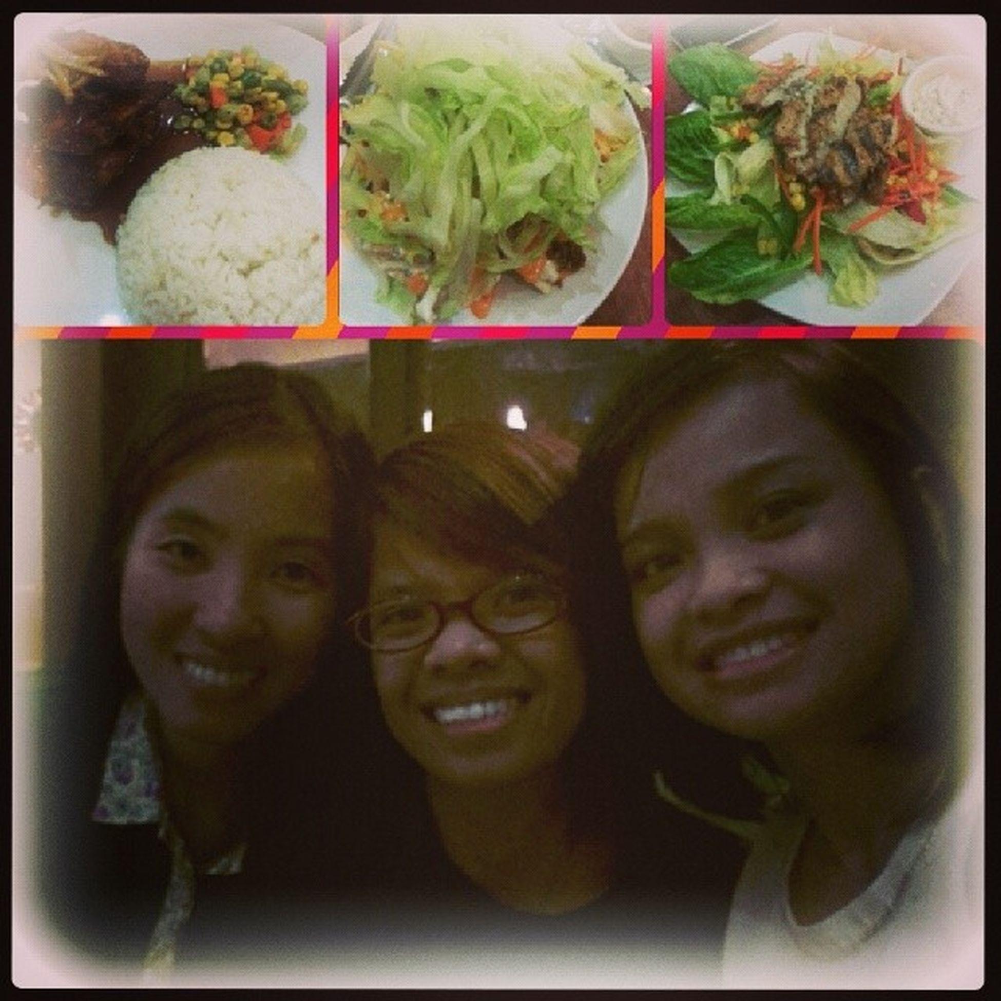 Dinner with BFF! Thank you girls.. Loveyou both! 😄😊😃☺😍😘😘 Bday Dinner 04242014 @joyce_dg Tacosalad honeyglazedchknwings grilledchicken