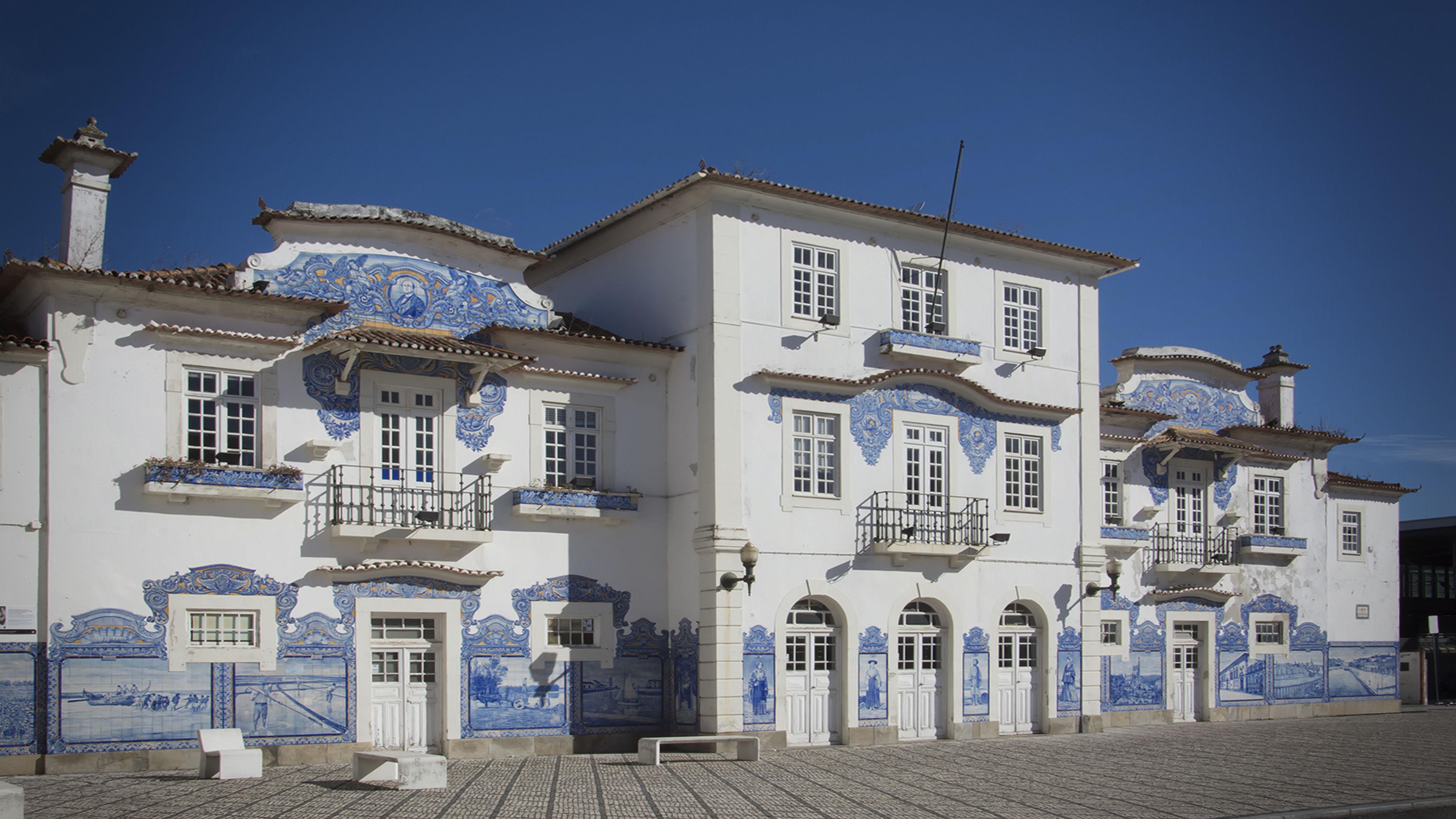 Architecture Estación De Tren De Aveiro Eveiro Tiles Train Station
