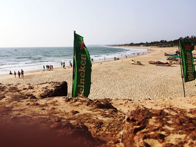 My finger does disrupt the glistening dirt on the rocks at the bottom left, but hey, this was the one thing Goa served best. The beach and beer. Goa Beach Nature Beer Heineken