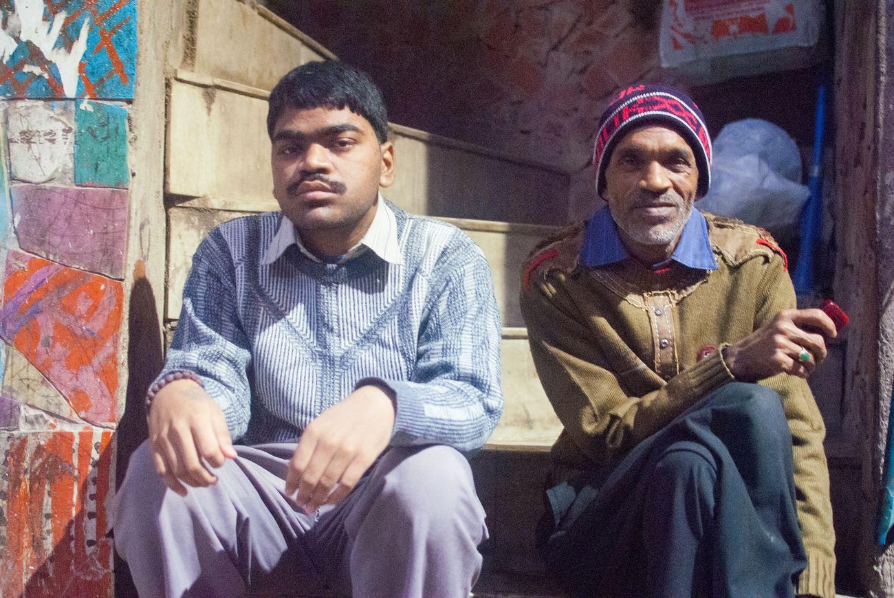 Delhi India Hauzkhasvillage Smoking