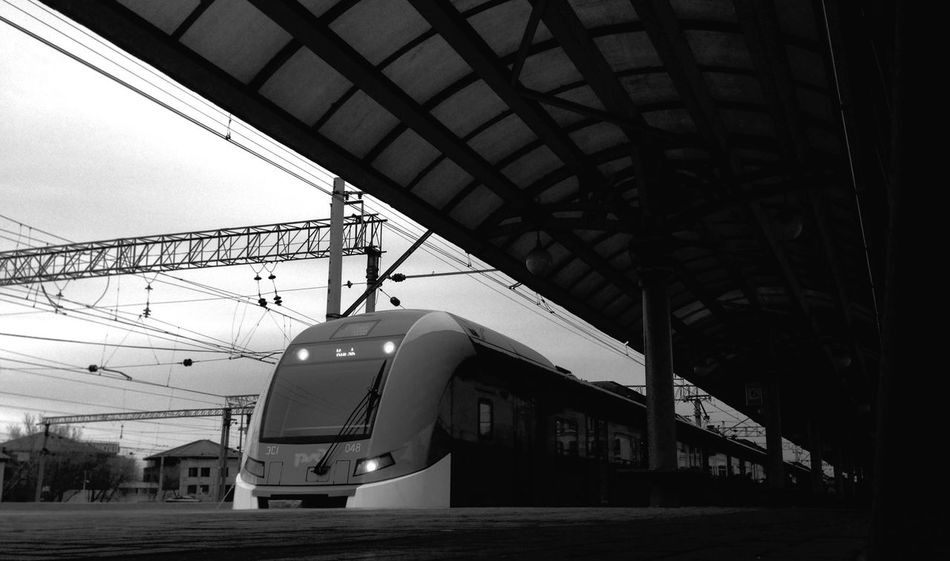 Es1 Strela Russian Hight Speed Train Moscow To  Kursk Russia РЖД Blackandwhite Railway