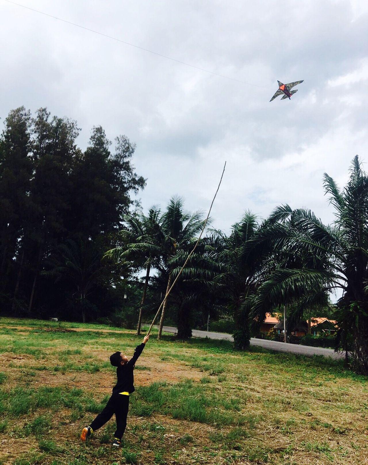 Fly.... First Eyeem Photo Flying High Flying A Kite FlyHigh Kite - Toy Kites On The Beach Kiteflying Boy The Portraitist - 2017 EyeEm Awards