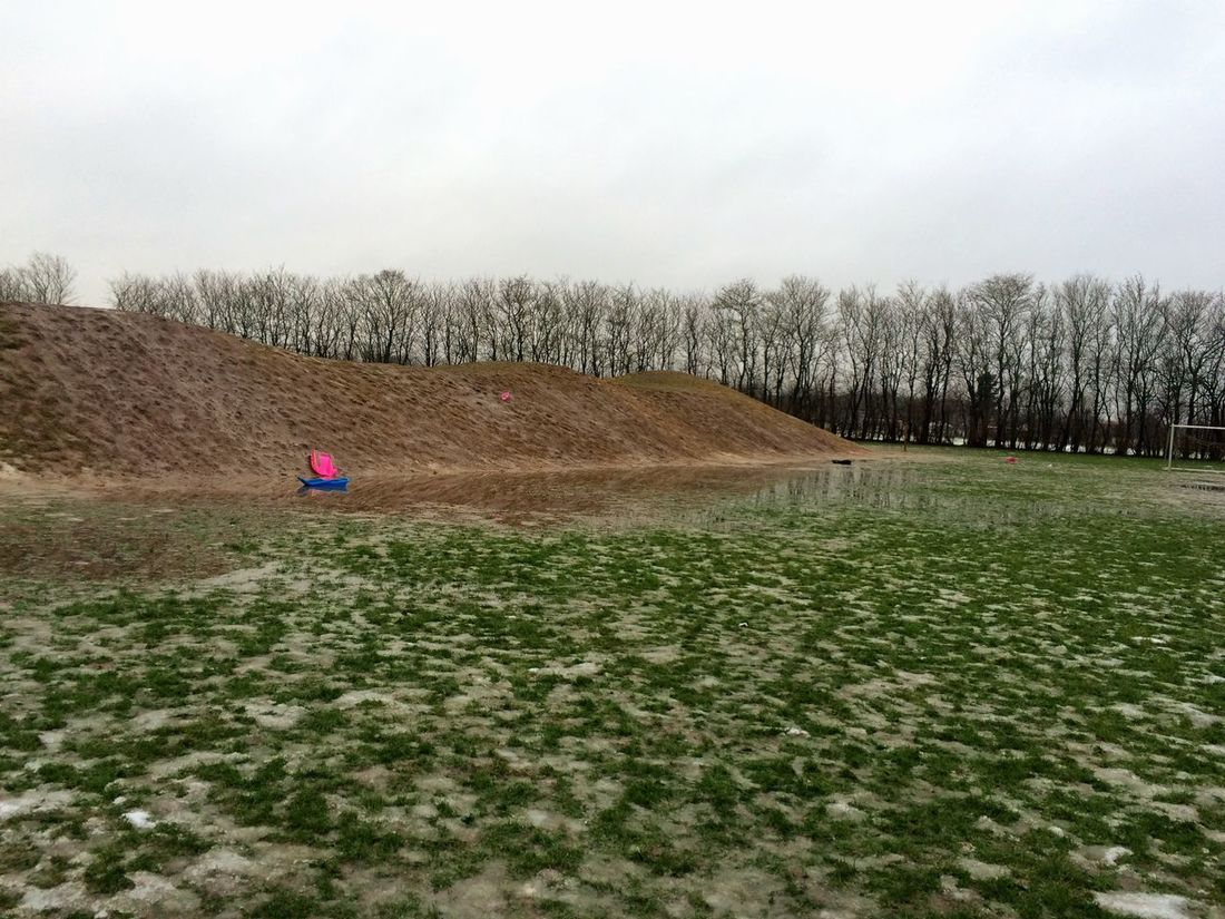 The Battlefield after the Snow ... Tadaa Community Tadaa Tadaa Friends Playground Grass Water