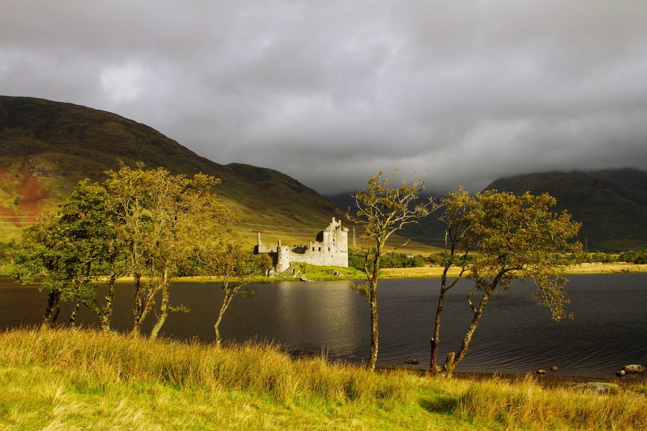 Castle Tranquility Lake Nature Cloudy Beauty In Nature Tranquil Scene Water Countryside Highlands Highland Gloomy Weather