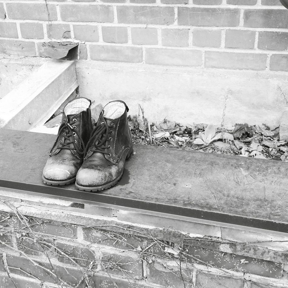 Boots Toronto Black And White Thestoriestheymusthave