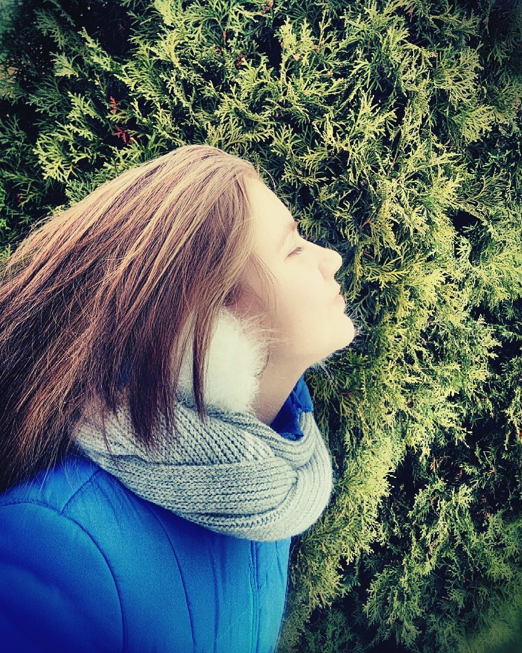 one person, day, real people, field, nature, lifestyles, outdoors, women, blond hair, grass, young women, tree, young adult, close-up, people