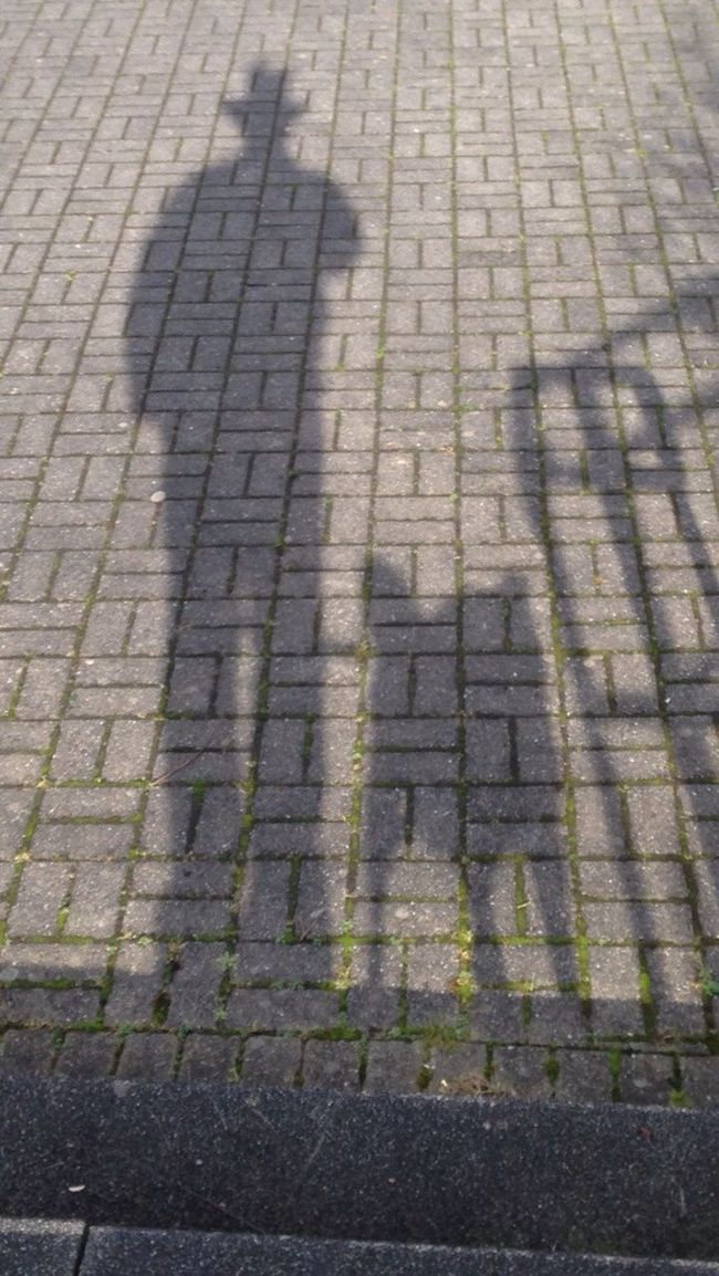 Lucky Luke und Rantanplan/Lucky Luke and Rantanplan Hello World Taking Photos Check This Out Hello Germany That's Me Secret Silhouette Schatten Hund, Schatten