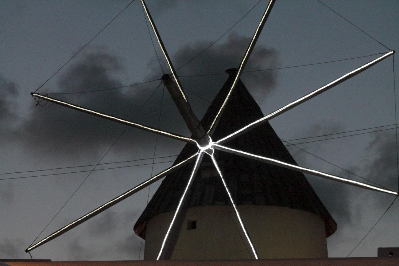 Antiguo molino de viento, ahora un pequeño Museo. Carboneras Vacaciones2014 Noche Nocturna