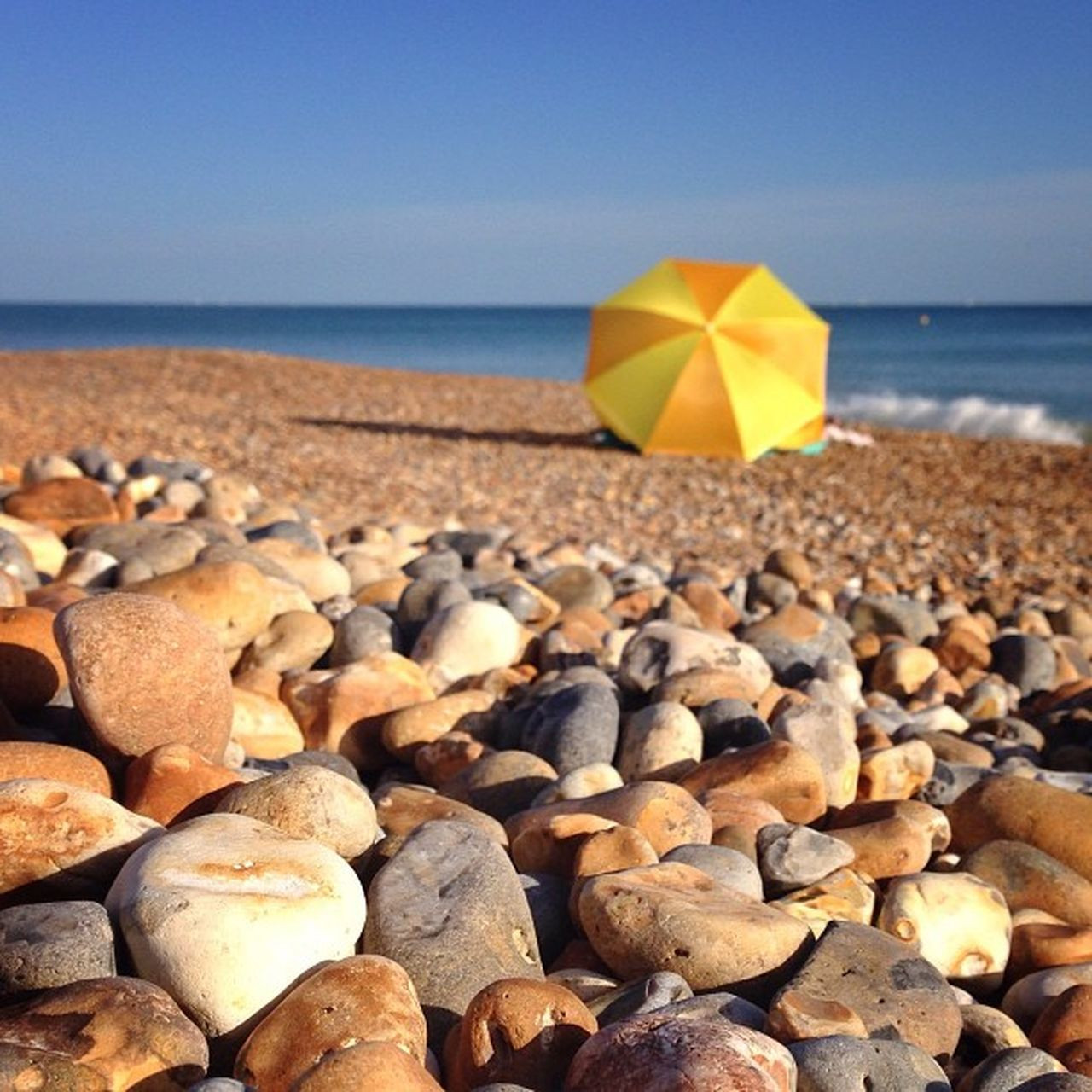 Another one with #pebbles and #yellow umbrella ?☀️????? #brighton #alan_in_brighton #gf_uk #gang_family #igers_brighton #insta_brighton #from_city #ic_cities_brighton #ig_england #gi_uk #allshots_ #aauk #mashpics #pro_shooters #capture_today #top_masters Loveyoursummer Mashpics Top_masters From_city Pro_shooters Yellow Brighton Secretlandscapes Gang_family Barbourwildbritain Pebbles Alan_in_brighton Allshots_ Insta_brighton Gf_uk Igers_brighton Gi_uk Ig_england Aauk Ic_cities_brighton Capture_today