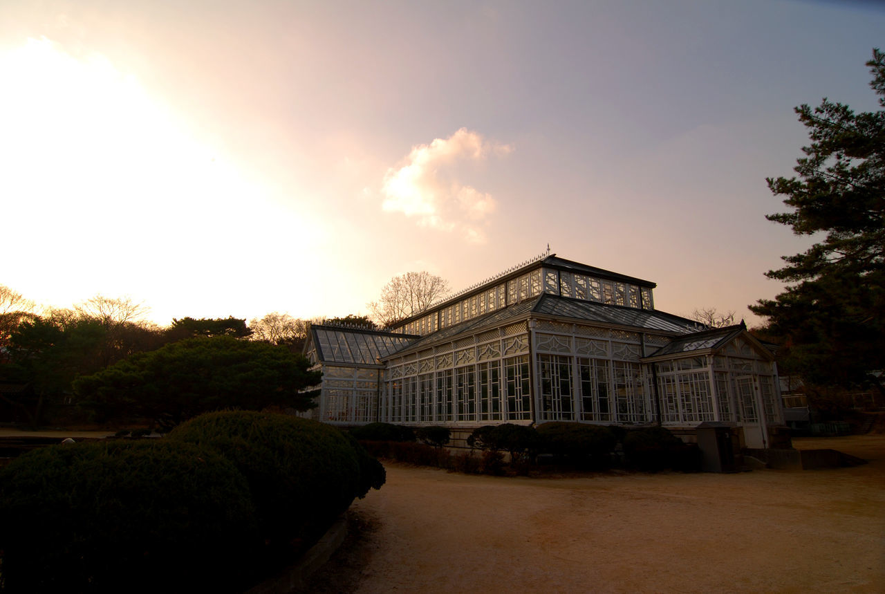 Architecture Cloud - Sky Day Dramatic Lighting Greenhouse Light Nature No People 창덕궁 후원
