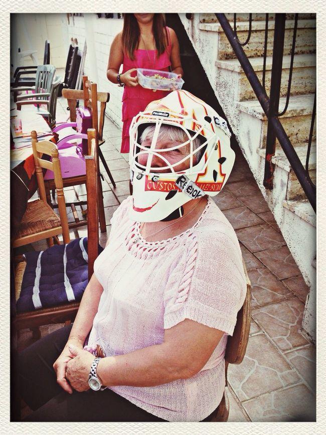 Grand-Ma like hockey