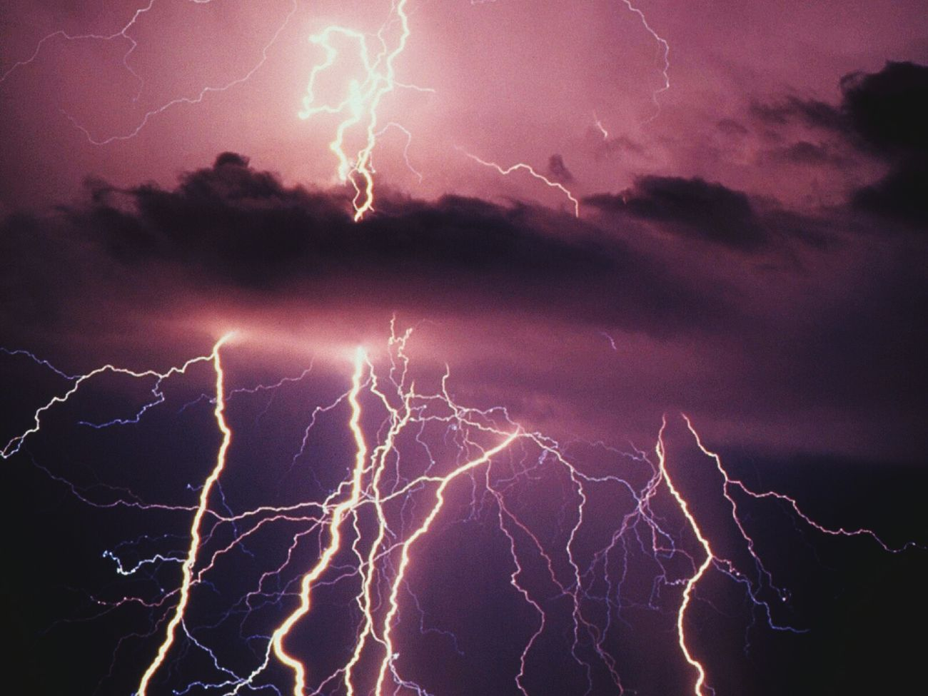 Beautiful stock photos of lightning, Backgrounds, Forked Lightning, Full Frame, Lightning