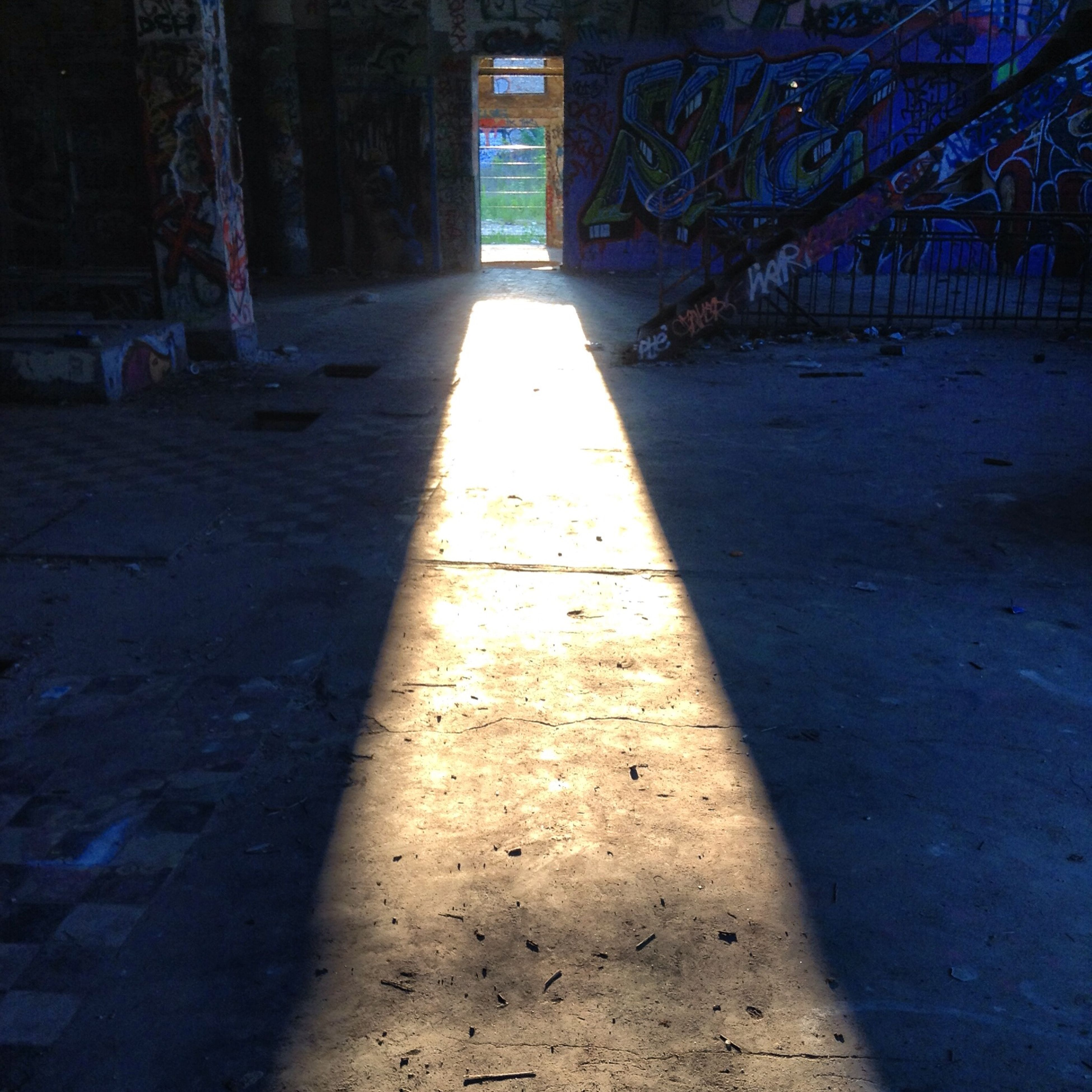 sunlight, built structure, architecture, shadow, the way forward, day, no people, indoors, nature