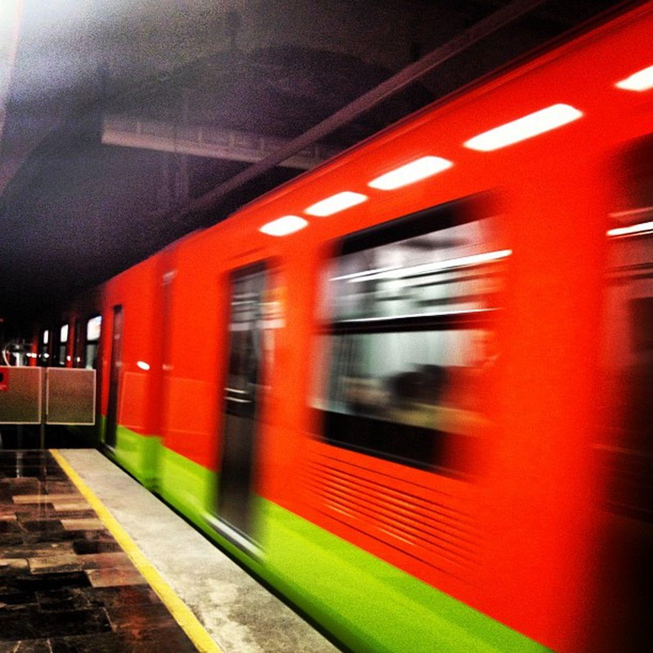 #igers #igersdf #proyectodf #metro #subway #underground #linea12 #df #veloz #travel #mexico Proyectodf Mexingers Subway Igersgdl Metro Compartetuimagen Downtown Linea12 Underground Tranporte Travel Veloz Mexico Traveler Df Mextagram Igers Tranport Igersmexico Igersmty Igersdf