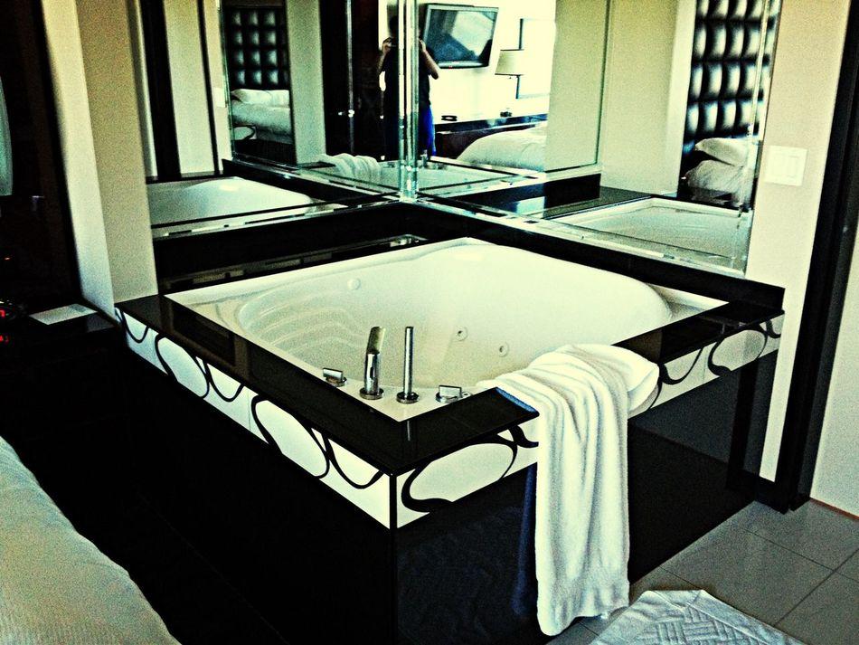 Hello World Enjoying Life Hotel Jacuzzi