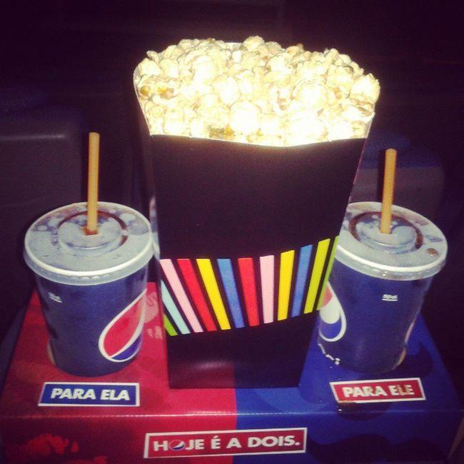 Os lindos vieram ao cinema :) DeixaOAmorEntrar :)