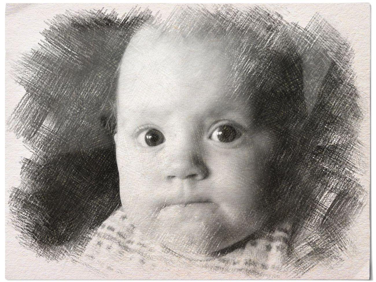 GraphitePencil Sophie Graphite Art Cuteeee♥♡♥ Peoplephotography Babygirl Portrait Capture The Moment Children's Portraits