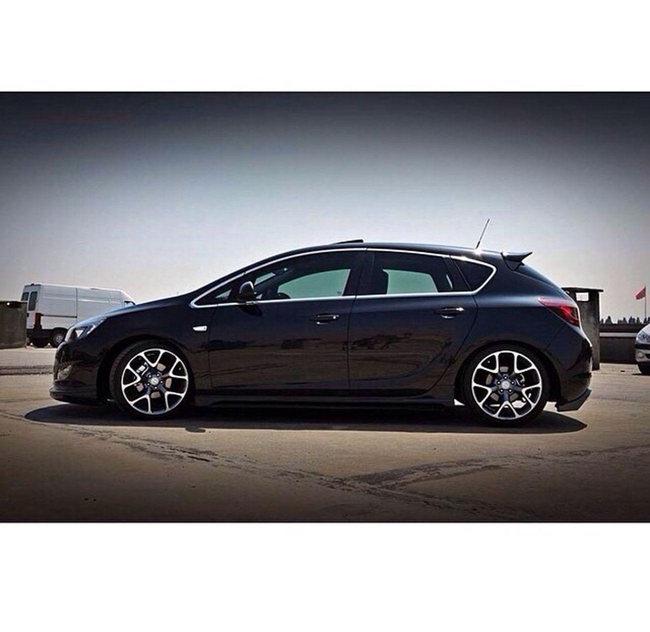 Opel Astra OPC Replica