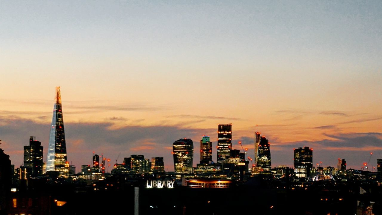 Bringing in the bank holiday Architecture Capital Cities  City City Life City Of London Cityscape Dusk Franksbar London London Skyline London Sunset  Orange Color Peckham Sky Skyscraper Sunset The Shard Urban Skyline