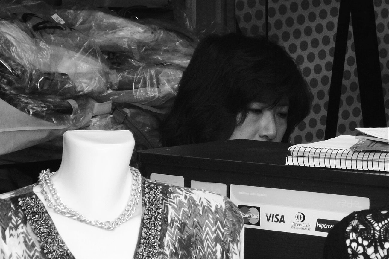 losing my head Open Edit Candid Photography EyeEm Best Shots Shootermag Streetphotography The Portraitist - 2015 EyeEm Awards The Storyteller - 2015 Eyeem Awards The Moment - 2015 EyeEm Awards