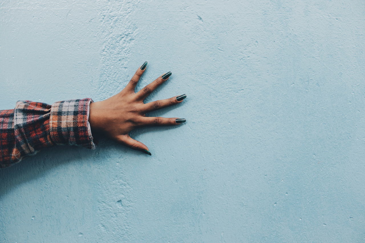 Human Hand Human Body Part Human Finger Showing Close-up Teenager Africa EyeEmNewHere Wall Art Detail EyeEm Gallery Canon Camera Abstract Photography Abstract Lifestyles Leisure Activity Building Exterior Outdoors