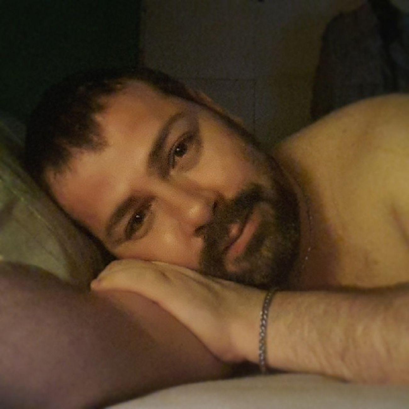 I'm going to sleep, good night, anytime... I'm not cute? Ja ja ja Sleeping Sleep Dormir