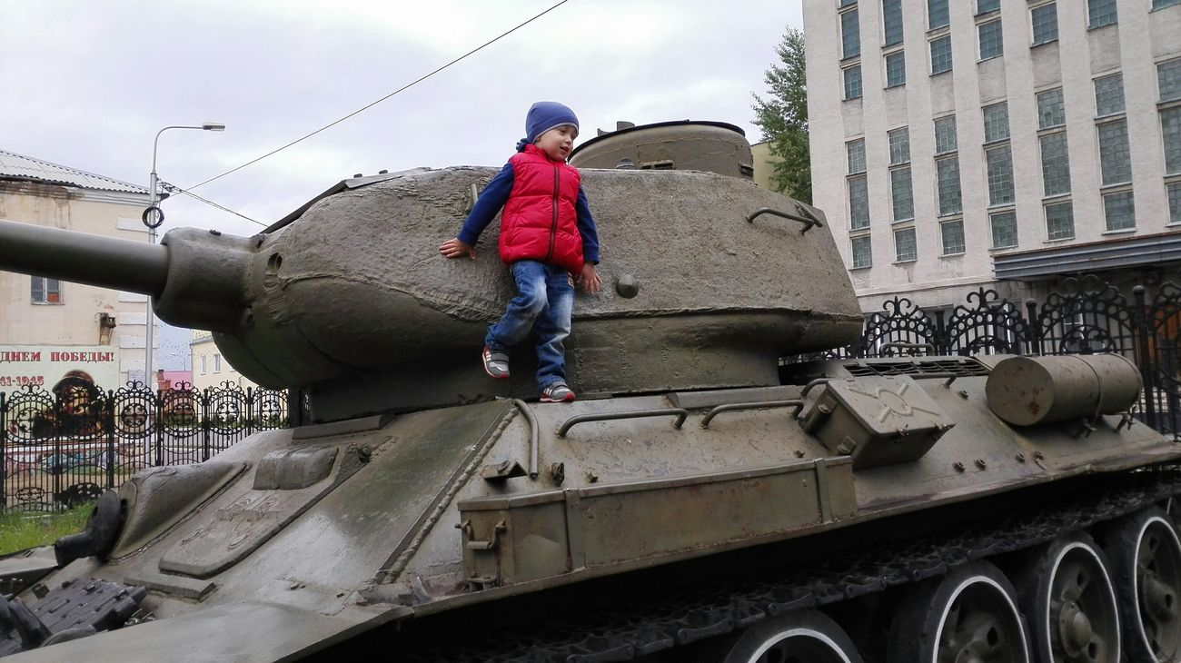 Маленький танкист!!!