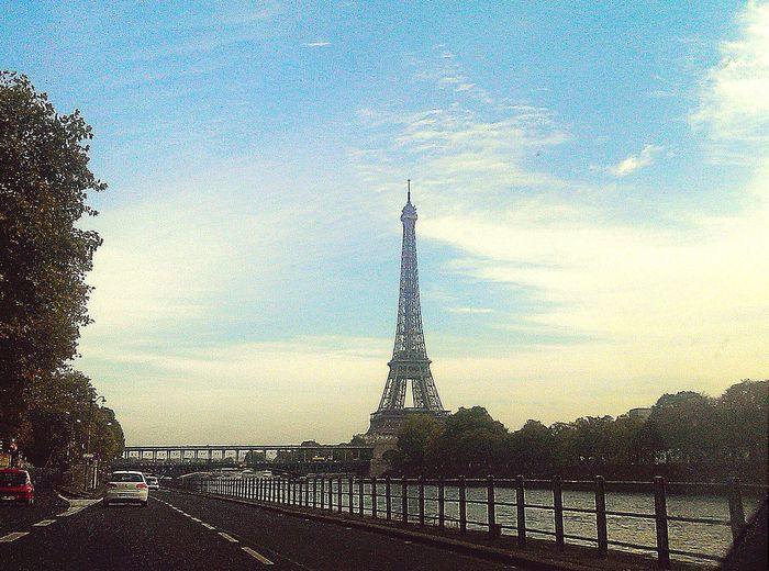 Paris 🎥 Eiffel Tower Paris, France  Street