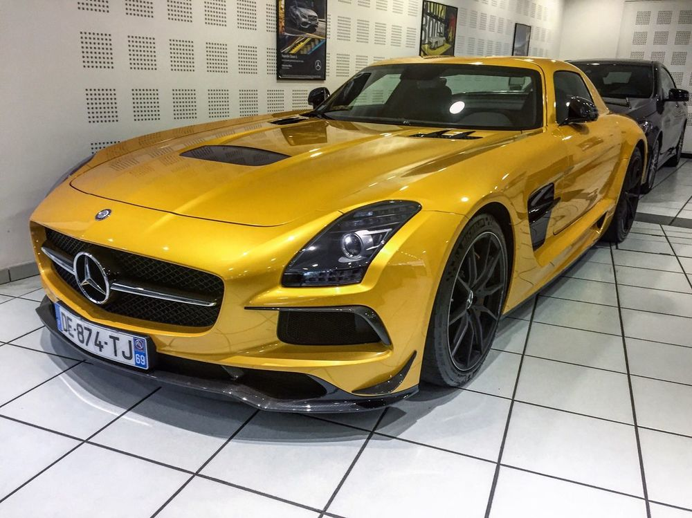 Mercedes SLS AMG Black Series ! ♠️💛👍🏻 I'm posting daily 🚗 pictures, subscribes to see more ! Yellow Car Germany Mercedes Sls AMG AMG Power SLS AMG SLS Amg Black Series Mercedes-Benz Mercedesamg Black Series Black Rare Racecar Supercar